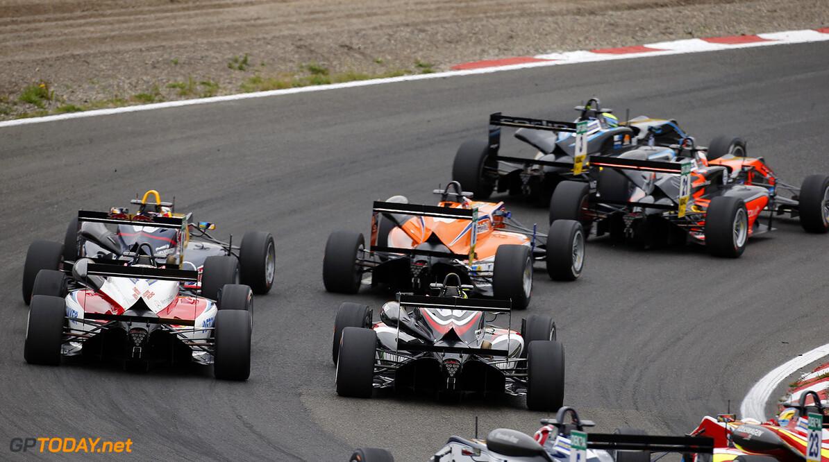 Honda stalt Makino dit seizoen bij Hitech GP