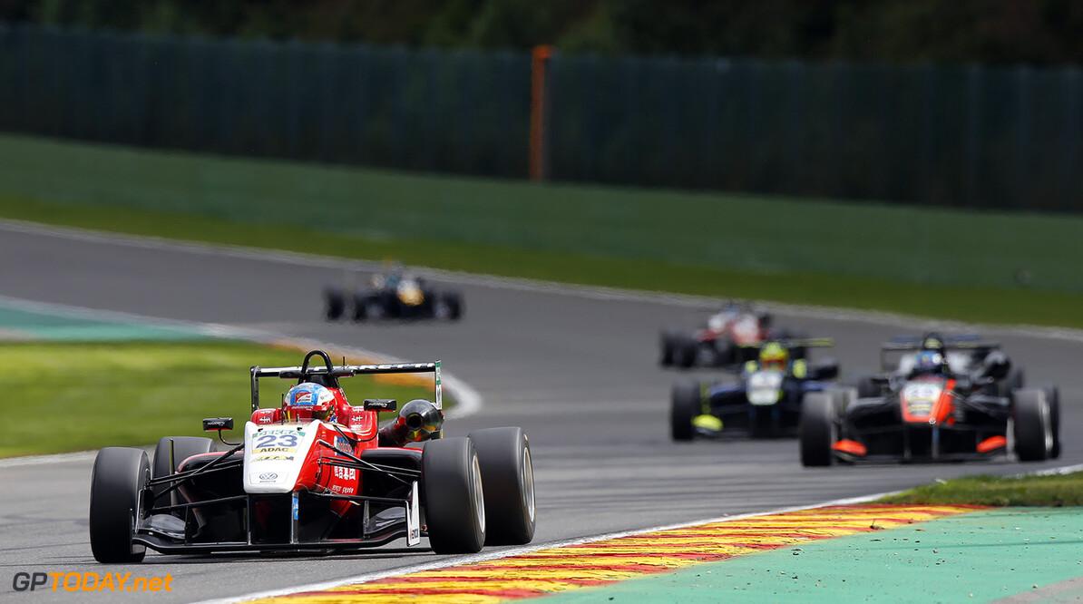 FIA Formula 3 European Championship, round 7, race 2, Spa-Franco 23 Guanyu Zhou (CHN, Motopark, Dallara F312 - Volkswagen), 20 Harrison Newey (GBR, Van Amersfoort Racing, Dallara F312 - Mercedes-Benz), FIA Formula 3 European Championship, round 7, race 2, Spa-Francorchamps (BEL), 28. - 30. July 2016 FIA Formula 3 European Championship 2016, round 7, race 2, Spa-Francorchamps (BEL) Thomas Suer Spa-Francorchamps Belgium