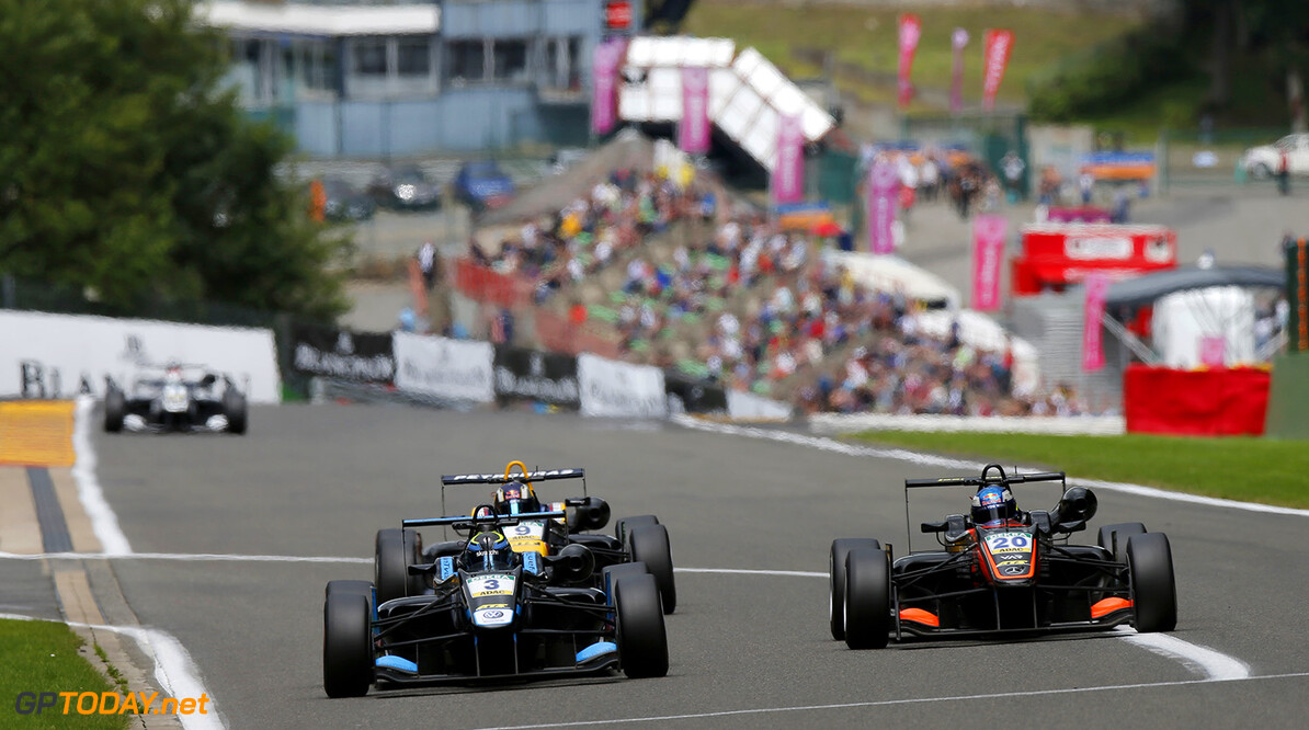 FIA Formula 3 European Championship, round 7, race 3, Spa-Franco 3 Ryan Tveter (USA, Carlin, Dallara F312 - Volkswagen), 20 Harrison Newey (GBR, Van Amersfoort Racing, Dallara F312 - Mercedes-Benz), 9 S?rgio Sette C?mara (BRA, Motopark, Dallara F312 - Volkswagen), FIA Formula 3 European Championship, round 7, race 3, Spa-Francorchamps (BEL), 28. - 30. July 2016 FIA Formula 3 European Championship 2016, round 7, race 3, Spa-Francorchamps (BEL) Thomas Suer Spa-Francorchamps Belgium