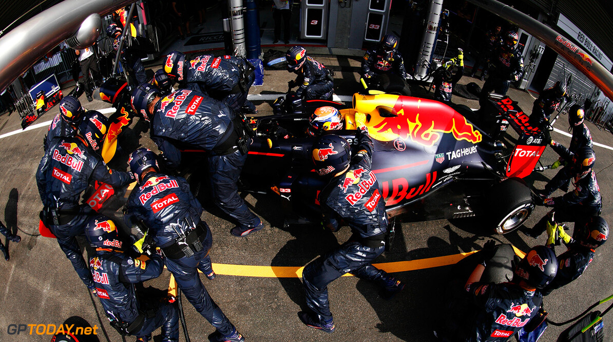 SPA, BELGIUM - AUGUST 28:  Max Verstappen of the Netherlands driving the (33) Red Bull Racing Red Bull-TAG Heuer RB12 TAG Heuer makes a pit stop for new tyres and a new nose during the Formula One Grand Prix of Belgium at Circuit de Spa-Francorchamps on August 28, 2016 in Spa, Belgium  (Photo by Mark Thompson/Getty Images) // Getty Images / Red Bull Content Pool  // P-20160828-01762 // Usage for editorial use only // Please go to www.redbullcontentpool.com for further information. //  F1 Grand Prix of Belgium Mark Thompson Spa Belgium  P-20160828-01762