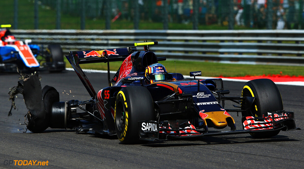 SPA, BELGIUM - AUGUST 28:  Carlos Sainz of Spain driving the (55) Scuderia Toro Rosso STR11 Ferrari 060/5 turbo with a punctured rear tyre during the Formula One Grand Prix of Belgium at Circuit de Spa-Francorchamps on August 28, 2016 in Spa, Belgium  (Photo by Charles Coates/Getty Images) // Getty Images / Red Bull Content Pool  // P-20160828-00929 // Usage for editorial use only // Please go to www.redbullcontentpool.com for further information. //  F1 Grand Prix of Belgium Charles Coates Spa Belgium  P-20160828-00929