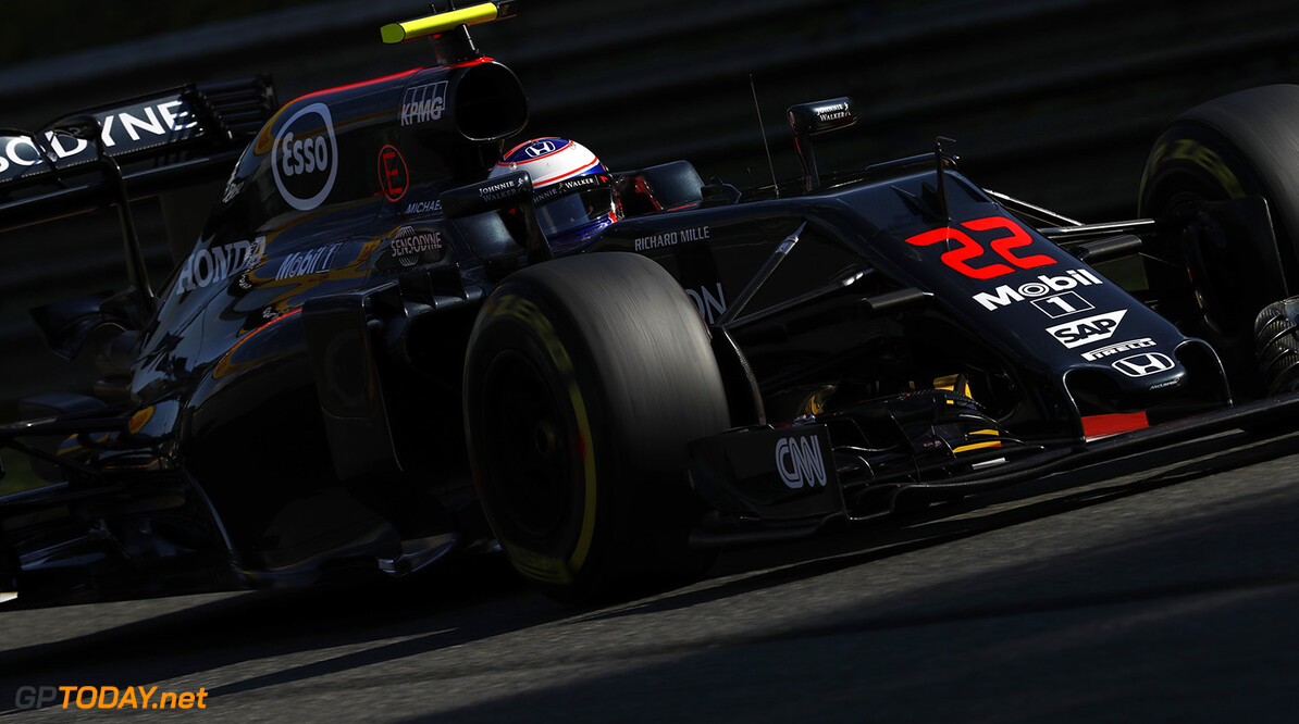 Jenson Button on track.  Glenn Dunbar