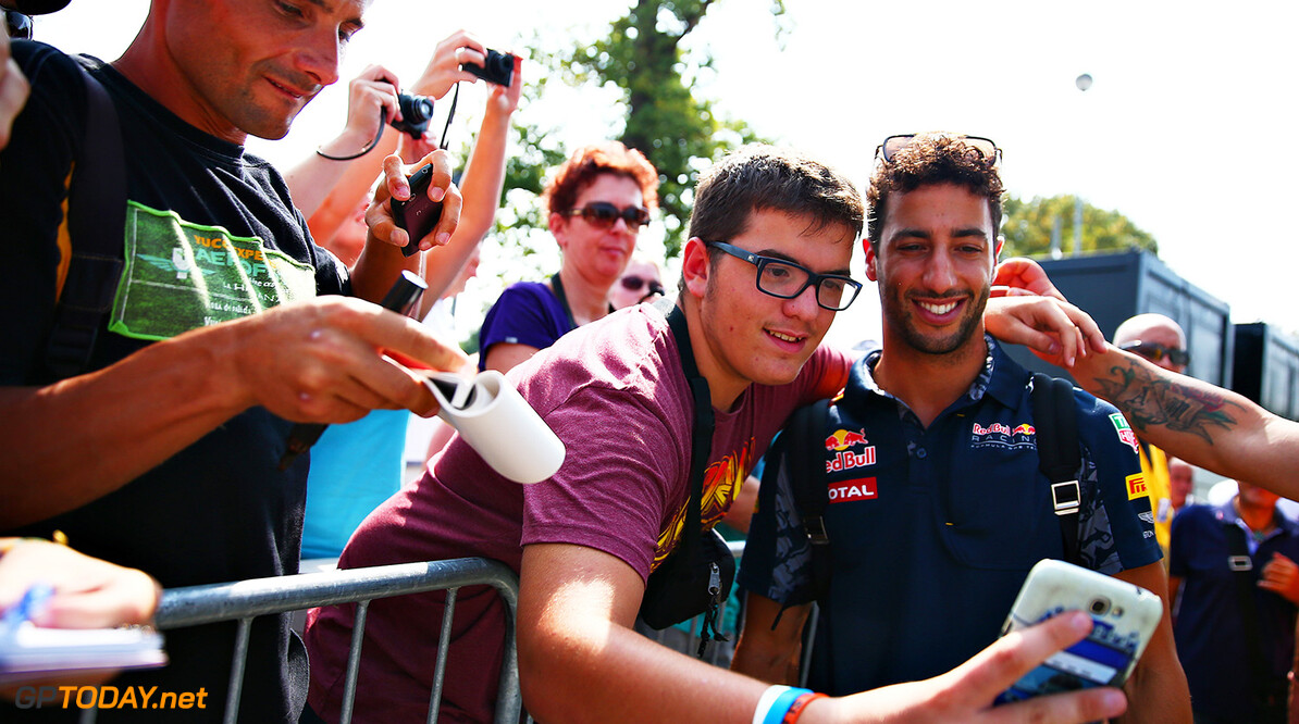 Getty Images / Red Bull Content Pool  // P-20160901-00453 // Usage for editorial use only // Please go to www.redbullcontentpool.com for further information. //  FIA Formula One World Championship 2016  Italy - Monza - RBR - TEMPLATE Getty  Dan Istitene    P-20160901-00453