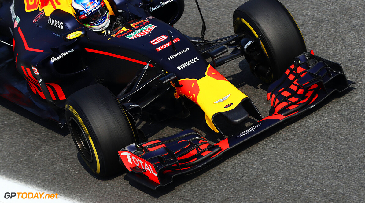 MONZA, ITALY - SEPTEMBER 02: Daniel Ricciardo of Australia driving the (3) Red Bull Racing Red Bull-TAG Heuer RB12 TAG Heuer on track during practice for the Formula One Grand Prix of Italy at Autodromo di Monza on September 2, 2016 in Monza, Italy.  (Photo by Mark Thompson/Getty Images) // Getty Images / Red Bull Content Pool  // P-20160902-12856 // Usage for editorial use only // Please go to www.redbullcontentpool.com for further information. //  F1 Grand Prix of Italy - Practice Mark Thompson Monza Italy  P-20160902-12856