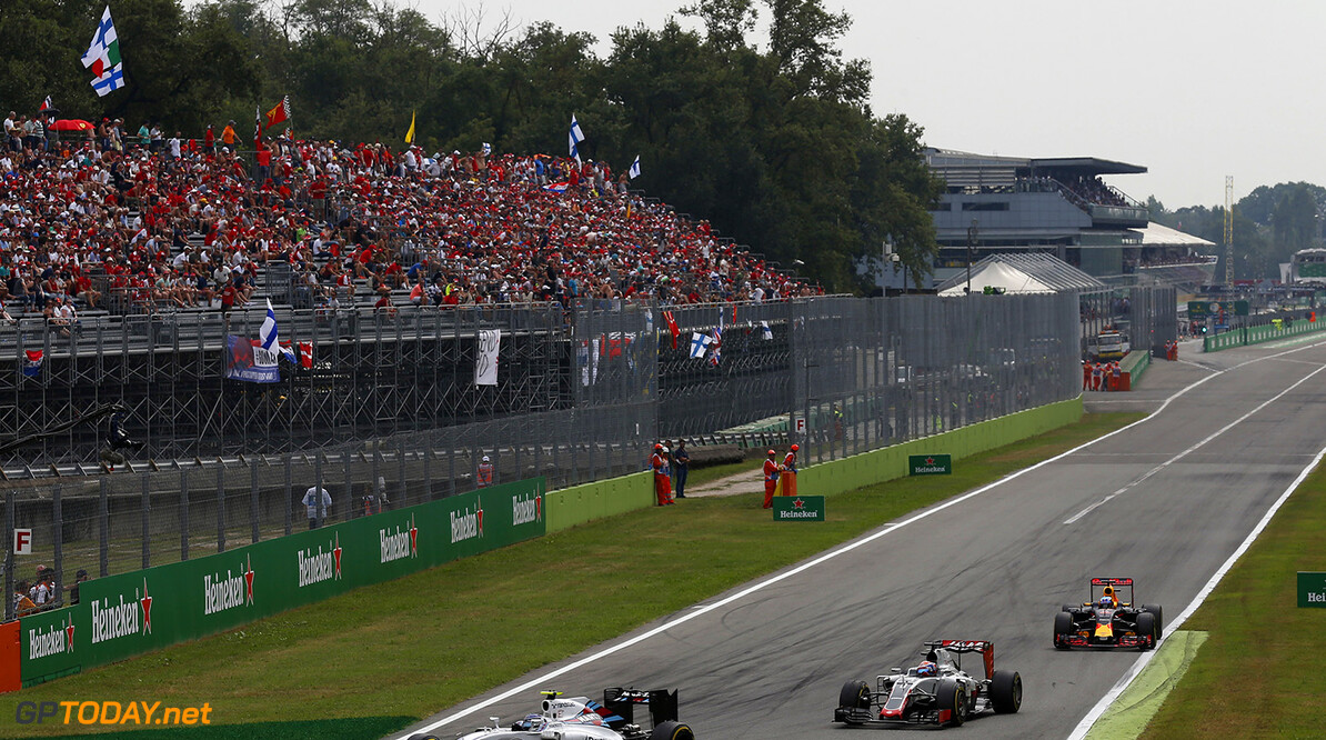 Autodromo Nazionale di Monza, Italy. Sunday 4 September 2016. Valtteri Bottas, Williams FW38 Mercedes, leads Romain Grosjean, Haas VF-16 Ferrari, and Daniel Ricciardo, Red Bull Racing RB12 TAG Heuer. Photo: Sam Bloxham/Williams ref: Digital Image _SBB9364  Al Staley    Action