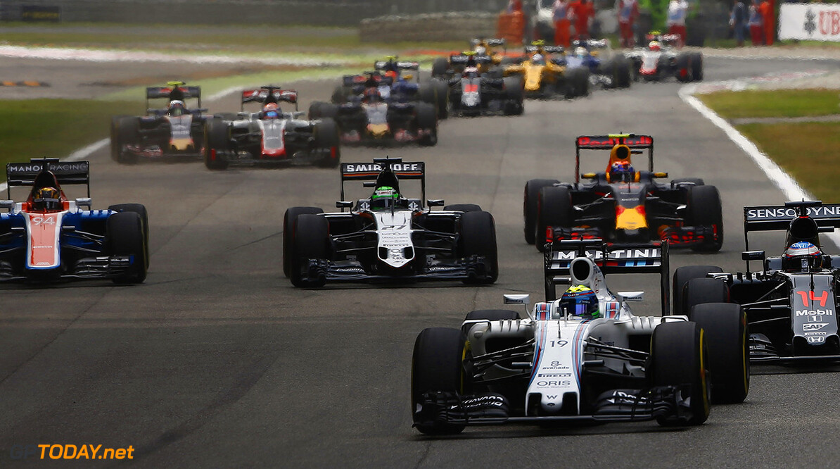 Autodromo Nazionale di Monza, Italy. Sunday 4 September 2016. Felipe Massa, Williams FW38 Mercedes, leads Fernando Alonso, McLaren MP4-31 Honda, Nico Hulkenberg, Force India VJM09 Mercedes, Max Verstappen, Red Bull Racing RB12 TAG Heuer, and the remainder of the field at the start of the race. Photo: Andrew Hone/Williams ref: Digital Image _ONZ6090      Action Start