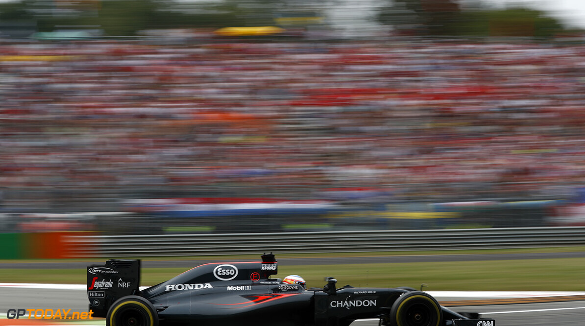 Fernando Alonso on track.  Glenn Dunbar