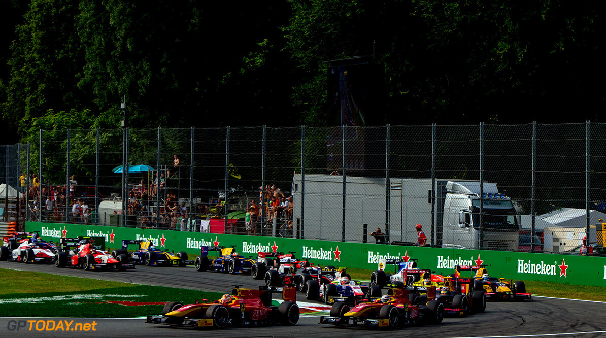 2016 GP2 Series Round 9. Autodromo Nazionale di Monza, Monza, Italy. Sunday 4 September 2016. Norman Nato (FRA, Racing Engineering) leads Jordan King (GBR, Racing Engineering), Pierre Gasly (FRA, PREMA Racing) and the rest of the field at the start of the race. Photo: Zak Mauger/GP2 Series Media Service. ref: Digital Image _L0U5721   Zak Mauger    Race Two 2 Sprint action start