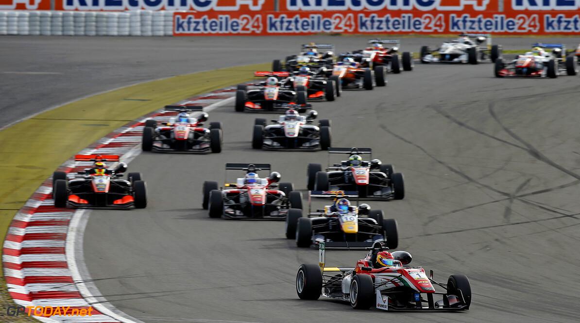 FIA Formula 3 European Championship, round 8, race 3, N?rburgri Start of the race, 1 Lance Stroll (CAN, Prema Powerteam, Dallara F312 - Mercedes-Benz), 10 Niko Kari (FIN, Motopark, Dallara F312 - Volkswagen), 2 Nick Cassidy (NZL, Prema Powerteam, Dallara F312 - Mercedes-Benz), 6 Callum Ilott (GBR, Van Amersfoort Racing, Dallara F312 - Mercedes-Benz), FIA Formula 3 European Championship, round 8, race 3, N?rburgring (DEU), 9. - 11. September 2016 FIA Formula 3 European Championship 2016, round 8, race 3, N?rburgring (DEU) Thomas Suer N?rburgring Germany