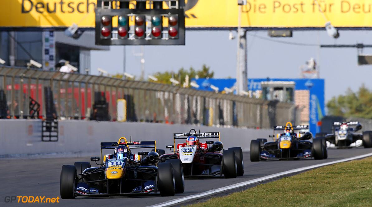 FIA Formula 3 European Championship, round 8, race 2, N?rburgri 10 Niko Kari (FIN, Motopark, Dallara F312 - Volkswagen), 23 Guanyu Zhou (CHN, Motopark, Dallara F312 - Volkswagen), FIA Formula 3 European Championship, round 8, race 2, N?rburgring (DEU), 9. - 11. September 2016 FIA Formula 3 European Championship 2016, round 8, race 2, N?rburgring (DEU) Thomas Suer N?rburgring Germany