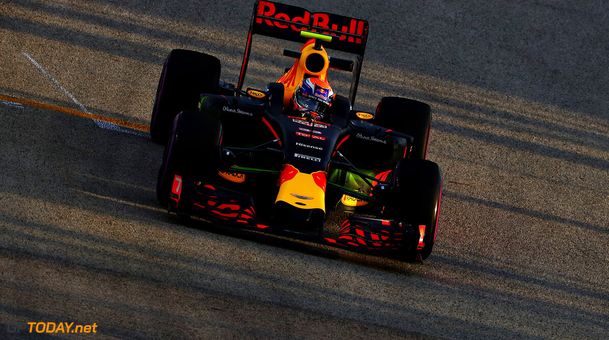 SINGAPORE - SEPTEMBER 16: Max Verstappen of the Netherlands driving the (33) Red Bull Racing Red Bull-TAG Heuer RB12 TAG Heuer on track during practice for the Formula One Grand Prix of Singapore at Marina Bay Street Circuit on September 16, 2016 in Singapore.  (Photo by Clive Mason/Getty Images) // Getty Images / Red Bull Content Pool  // P-20160916-00326 // Usage for editorial use only // Please go to www.redbullcontentpool.com for further information. //  F1 Grand Prix of Singapore - Practice Clive Mason Singapore Singapore  P-20160916-00326
