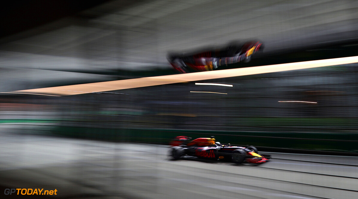 SINGAPORE - SEPTEMBER 16: Daniel Ricciardo of Australia driving the (3) Red Bull Racing Red Bull-TAG Heuer RB12 TAG Heuer on track during practice for the Formula One Grand Prix of Singapore at Marina Bay Street Circuit on September 16, 2016 in Singapore.  (Photo by Clive Mason/Getty Images) // Getty Images / Red Bull Content Pool  // P-20160916-01069 // Usage for editorial use only // Please go to www.redbullcontentpool.com for further information. //  F1 Grand Prix of Singapore - Practice Clive Mason Singapore Singapore  P-20160916-01069