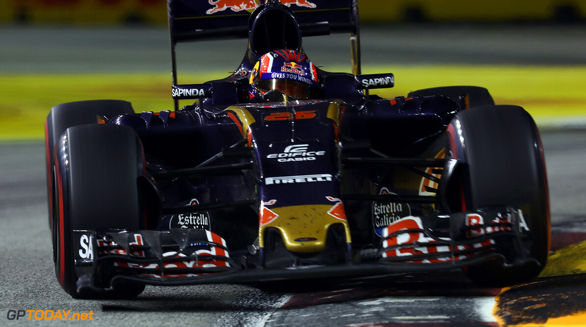 SINGAPORE - SEPTEMBER 18: Daniil Kvyat of Russia driving the (26) Scuderia Toro Rosso STR11 Ferrari 060/5 turbo on track during the Formula One Grand Prix of Singapore at Marina Bay Street Circuit on September 18, 2016 in Singapore.  (Photo by Lars Baron/Getty Images) // Getty Images / Red Bull Content Pool  // P-20160918-01827 // Usage for editorial use only // Please go to www.redbullcontentpool.com for further information. //  F1 Grand Prix of Singapore Lars Baron Singapore Singapore  P-20160918-01827