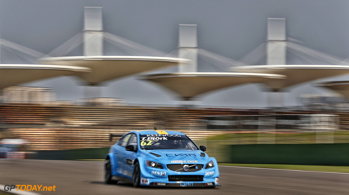 62 BJORK Thed (swe) Volvo S60 team Polestar Cyan racing action during the 2016 FIA WTCC World Touring Car Championship at Shanghai, China, September 23 to 25 - Photo Jean Michel Le Meur / DPPI AUTO - WTCC SHANGHAI 2016 Jean Michel Le Meur Shanghai Chine  auto championnat du monde chine circuit course fia motorsport september septembre tourisme wtcc