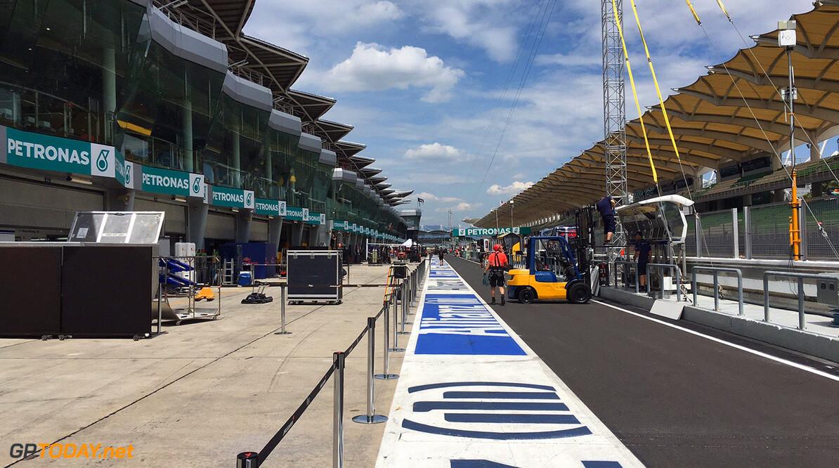 FIA blundert met lijn aan het einde van de pits