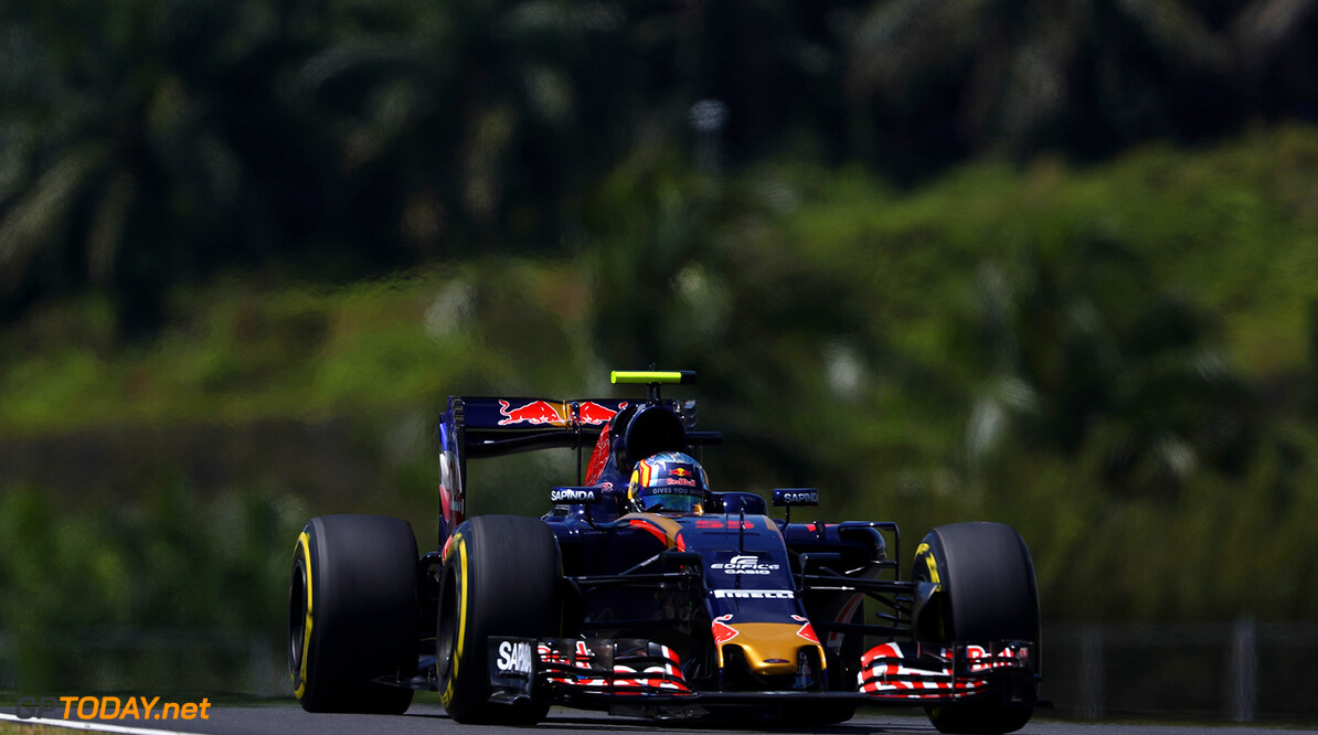 KUALA LUMPUR, MALAYSIA - SEPTEMBER 30: Carlos Sainz of Spain driving the (55) Scuderia Toro Rosso STR11 Ferrari 060/5 turbo on track during practice for the Malaysia Formula One Grand Prix at Sepang Circuit on September 30, 2016 in Kuala Lumpur, Malaysia.  (Photo by Clive Mason/Getty Images) // Getty Images / Red Bull Content Pool  // P-20160930-00524 // Usage for editorial use only // Please go to www.redbullcontentpool.com for further information. //  F1 Grand Prix of Malaysia - Practice Clive Mason Kuala Lumpur Malaysia  P-20160930-00524
