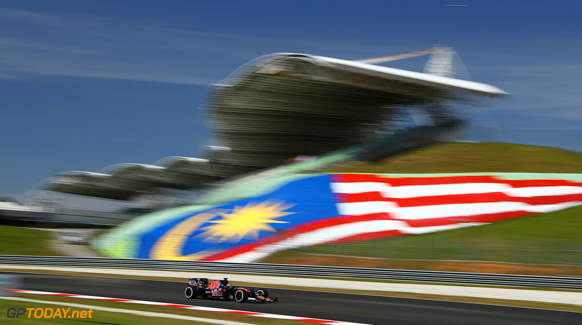 KUALA LUMPUR, MALAYSIA - SEPTEMBER 30: Daniil Kvyat of Russia driving the (26) Scuderia Toro Rosso STR11 Ferrari 060/5 turbo on track during practice for the Malaysia Formula One Grand Prix at Sepang Circuit on September 30, 2016 in Kuala Lumpur, Malaysia.  (Photo by Clive Mason/Getty Images) // Getty Images / Red Bull Content Pool  // P-20160930-00276 // Usage for editorial use only // Please go to www.redbullcontentpool.com for further information. //  F1 Grand Prix of Malaysia - Practice Clive Mason Kuala Lumpur Malaysia  P-20160930-00276