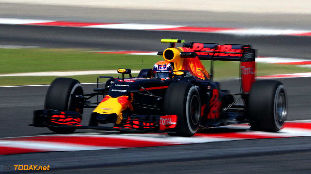 KUALA LUMPUR, MALAYSIA - SEPTEMBER 30:  Max Verstappen of the Netherlands driving the (33) Red Bull Racing Red Bull-TAG Heuer RB12 TAG Heuer on track during practice for the Malaysia Formula One Grand Prix at Sepang Circuit on September 30, 2016 in Kuala Lumpur, Malaysia.  (Photo by Mark Thompson/Getty Images) // Getty Images / Red Bull Content Pool  // P-20160930-00610 // Usage for editorial use only // Please go to www.redbullcontentpool.com for further information. //  F1 Grand Prix of Malaysia - Practice Mark Thompson Kuala Lumpur Malaysia  P-20160930-00610