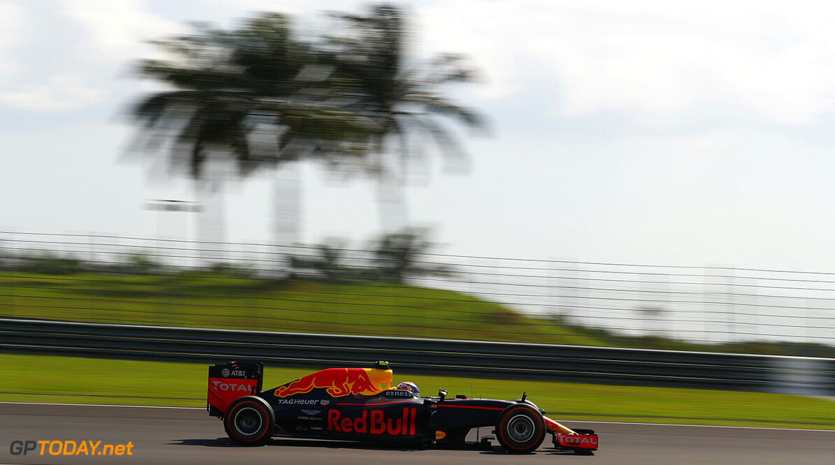 KUALA LUMPUR, MALAYSIA - OCTOBER 02:  Max Verstappen of the Netherlands driving the (33) Red Bull Racing Red Bull-TAG Heuer RB12 TAG Heuer on track during the Malaysia Formula One Grand Prix at Sepang Circuit on October 2, 2016 in Kuala Lumpur, Malaysia.  (Photo by Clive Mason/Getty Images) // Getty Images / Red Bull Content Pool  // P-20161002-01732 // Usage for editorial use only // Please go to www.redbullcontentpool.com for further information. //  F1 Grand Prix of Malaysia Clive Mason Kuala Lumpur Malaysia  P-20161002-01732