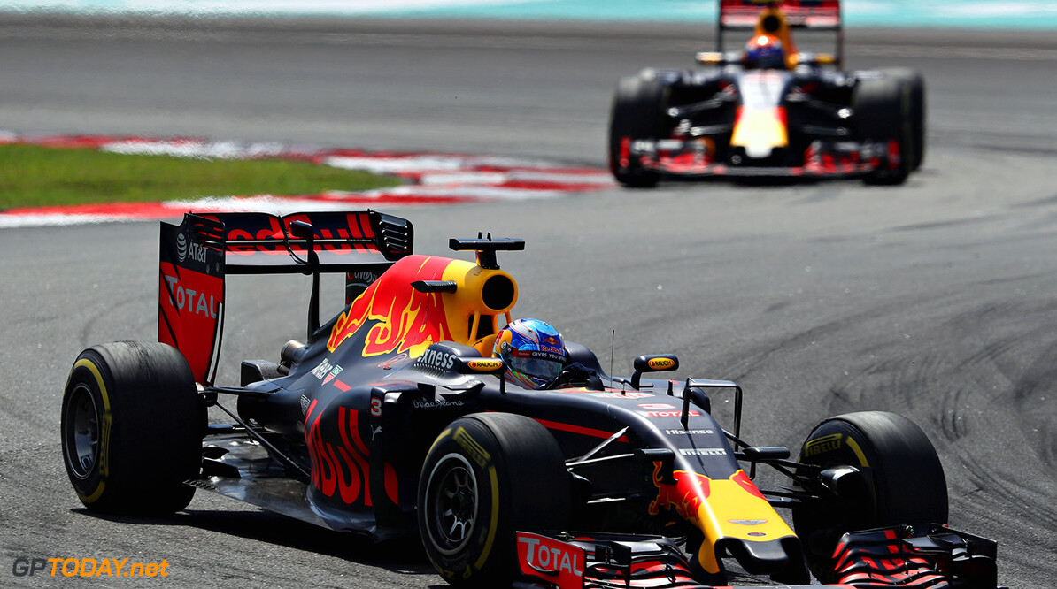 KUALA LUMPUR, MALAYSIA - OCTOBER 02:  Daniel Ricciardo of Australia driving the (3) Red Bull Racing Red Bull-TAG Heuer RB12 TAG Heuer leads Max Verstappen of the Netherlands driving the (33) Red Bull Racing Red Bull-TAG Heuer RB12 TAG Heuer on track during the Malaysia Formula One Grand Prix at Sepang Circuit on October 2, 2016 in Kuala Lumpur, Malaysia.  (Photo by Mark Thompson/Getty Images) // Getty Images / Red Bull Content Pool  // P-20161002-01818 // Usage for editorial use only // Please go to www.redbullcontentpool.com for further information. //  F1 Grand Prix of Malaysia Mark Thompson Kuala Lumpur Malaysia  P-20161002-01818