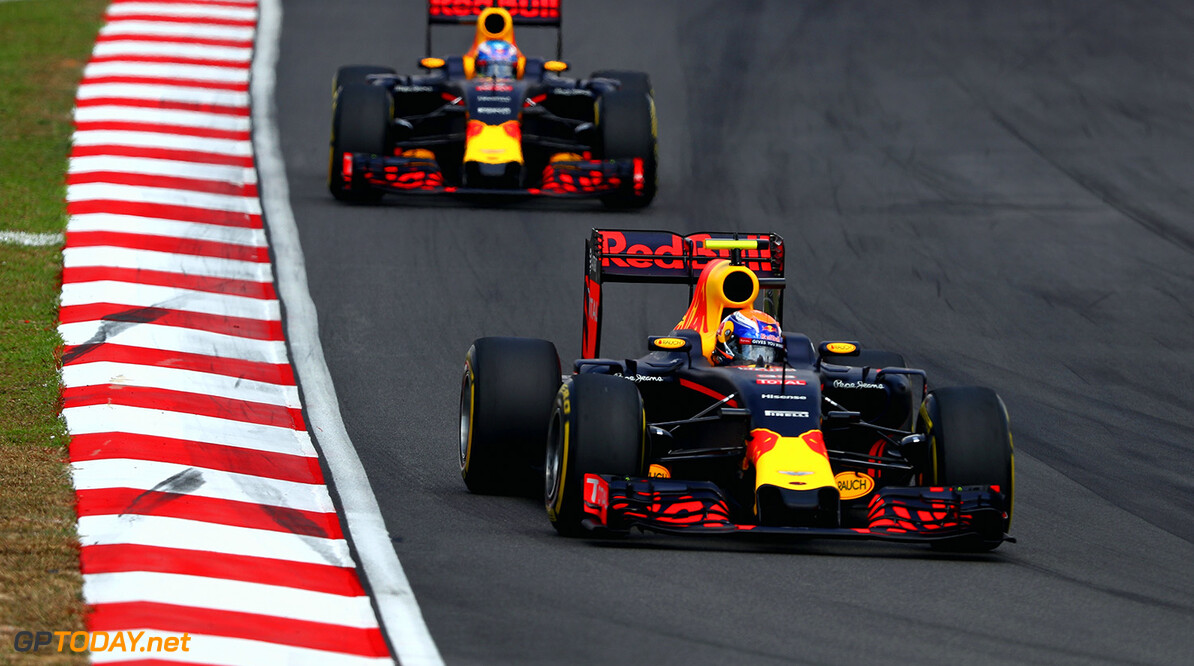 KUALA LUMPUR, MALAYSIA - OCTOBER 02:  Max Verstappen of the Netherlands driving the (33) Red Bull Racing Red Bull-TAG Heuer RB12 TAG Heuer leads Daniel Ricciardo of Australia driving the (3) Red Bull Racing Red Bull-TAG Heuer RB12 TAG Heuer during the Malaysia Formula One Grand Prix at Sepang Circuit on October 2, 2016 in Kuala Lumpur, Malaysia.  (Photo by Clive Mason/Getty Images) // Getty Images / Red Bull Content Pool  // P-20161002-01729 // Usage for editorial use only // Please go to www.redbullcontentpool.com for further information. //  F1 Grand Prix of Malaysia Clive Mason Kuala Lumpur Malaysia  P-20161002-01729