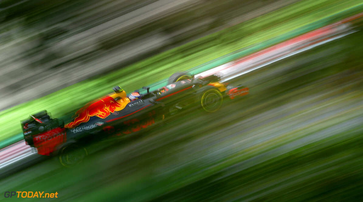 SUZUKA, JAPAN - OCTOBER 07:  Max Verstappen of the Netherlands driving the (33) Red Bull Racing Red Bull-TAG Heuer RB12 TAG Heuer on track during practice for the Formula One Grand Prix of Japan at Suzuka Circuit on October 7, 2016 in Suzuka.  (Photo by Clive Rose/Getty Images) // Getty Images / Red Bull Content Pool  // P-20161007-00673 // Usage for editorial use only // Please go to www.redbullcontentpool.com for further information. //  F1 Grand Prix of Japan - Practice Clive Rose Suzuka Japan  P-20161007-00673