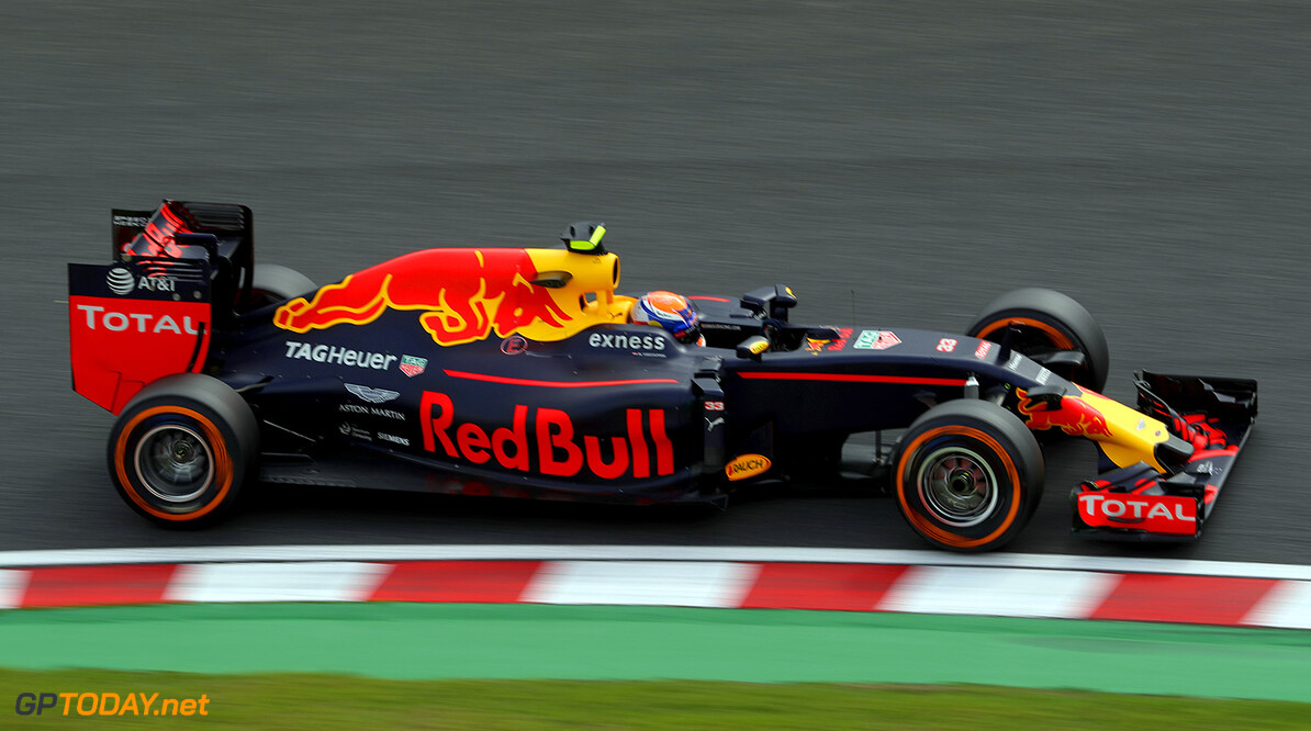 SUZUKA, JAPAN - OCTOBER 07: Max Verstappen of the Netherlands driving the (33) Red Bull Racing Red Bull-TAG Heuer RB12 TAG Heuer on track during practice for the Formula One Grand Prix of Japan at Suzuka Circuit on October 7, 2016 in Suzuka.  (Photo by Clive Rose/Getty Images) // Getty Images / Red Bull Content Pool  // P-20161007-00842 // Usage for editorial use only // Please go to www.redbullcontentpool.com for further information. //  F1 Grand Prix of Japan - Practice Clive Rose Suzuka Japan  P-20161007-00842