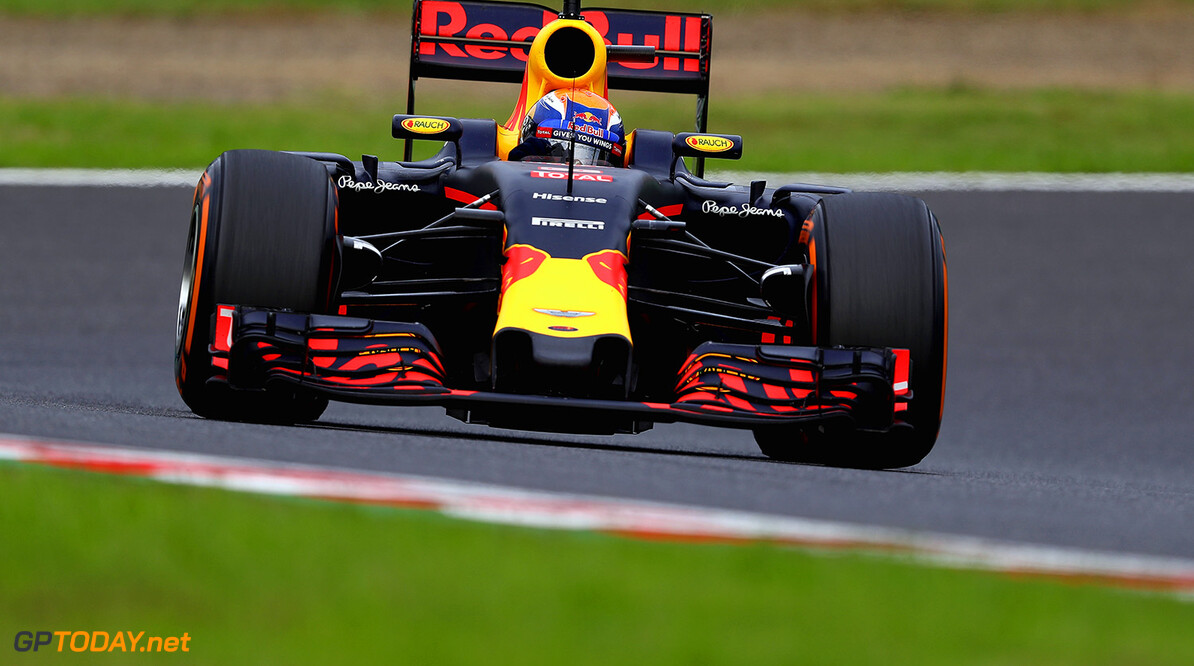 SUZUKA, JAPAN - OCTOBER 09: Max Verstappen of the Netherlands driving the (33) Red Bull Racing Red Bull-TAG Heuer RB12 TAG Heuer on track during the Formula One Grand Prix of Japan at Suzuka Circuit on October 9, 2016 in Suzuka.  (Photo by Clive Mason/Getty Images) // Getty Images / Red Bull Content Pool  // P-20161009-01240 // Usage for editorial use only // Please go to www.redbullcontentpool.com for further information. //  F1 Grand Prix of Japan Clive Mason Suzuka Japan  P-20161009-01240