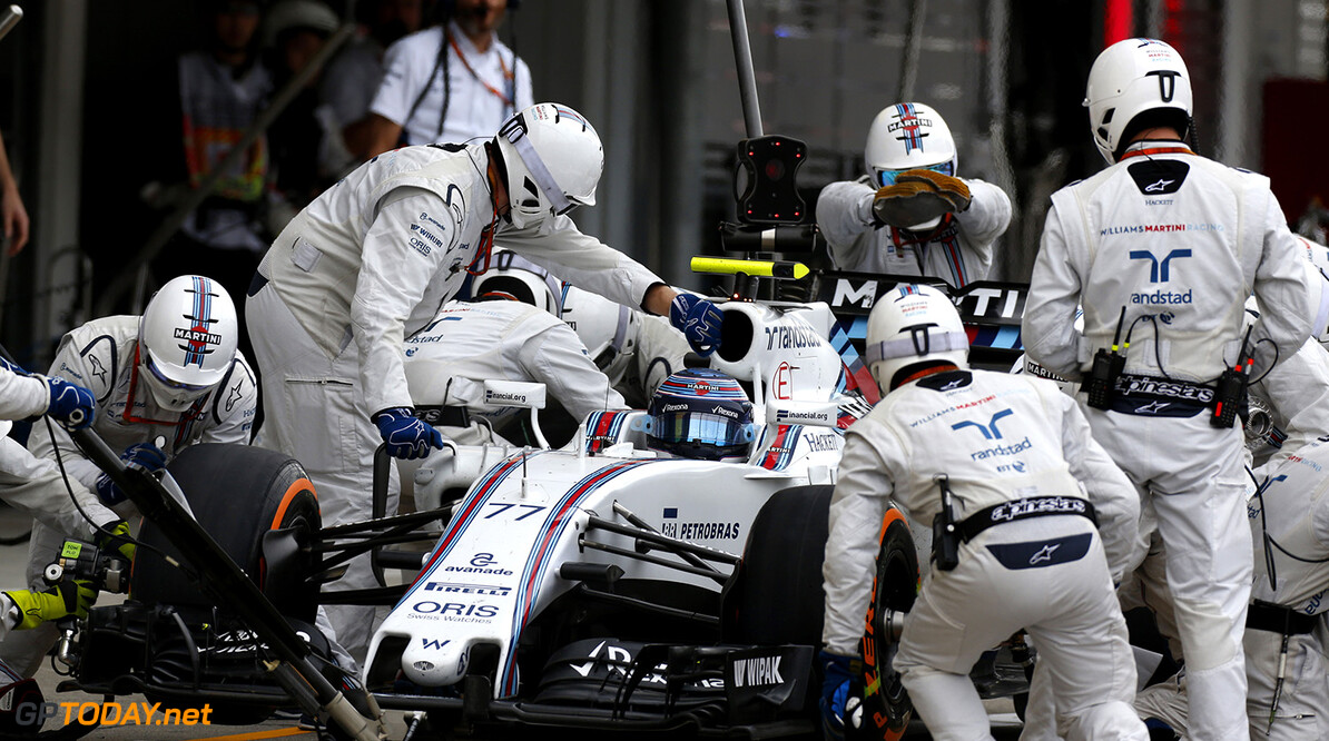 Sepang International Circuit, Sepang, Malaysia. Sunday 9 October 2016. Valtteri Bottas, Williams FW38 Mercedes, makes a pit stop during the race. Photo: Sam Bloxham/Williams ref: Digital Image _SBB9908  Al Staley    Action Pit Stops