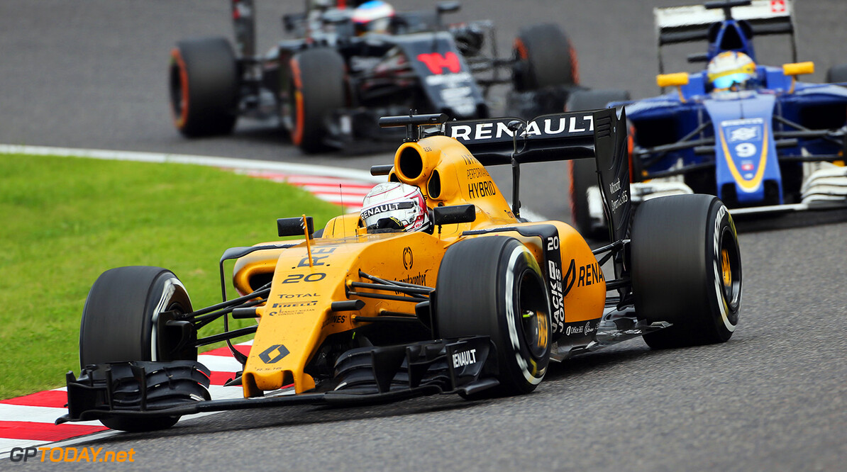 Formula One World Championship Kevin Magnussen (DEN) Renault Sport F1 Team RS16. Japanese Grand Prix, Sunday 9th October 2016. Suzuka, Japan. Motor Racing - Formula One World Championship - Japanese Grand Prix - Race Day - Suzuka, Japan Renault Sport Formula One Team Suzuka Japan  Formula One Formula 1 F1 GP Grand Prix Circuit Japan Japanese Suzuka JM637 Action Track GP1617d