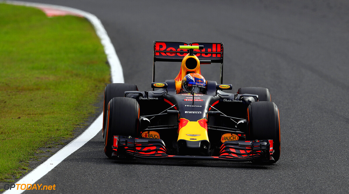 SUZUKA, JAPAN - OCTOBER 09: Max Verstappen of the Netherlands driving the (33) Red Bull Racing Red Bull-TAG Heuer RB12 TAG Heuer  on track during the Formula One Grand Prix of Japan at Suzuka Circuit on October 9, 2016 in Suzuka.  (Photo by Clive Mason/Getty Images) // Getty Images / Red Bull Content Pool  // P-20161009-01289 // Usage for editorial use only // Please go to www.redbullcontentpool.com for further information. //  F1 Grand Prix of Japan Clive Mason Suzuka Japan  P-20161009-01289