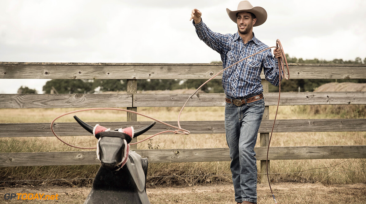 Daniel Ricciardo works on a farm in Austin, USA on October, 19 2016. // Robert Snow/Red Bull Content Pool // P-20161020-00673 // Usage for editorial use only // Please go to www.redbullcontentpool.com for further information. //  Daniel Ricciardo  robert snow Austin United States  P-20161020-00673