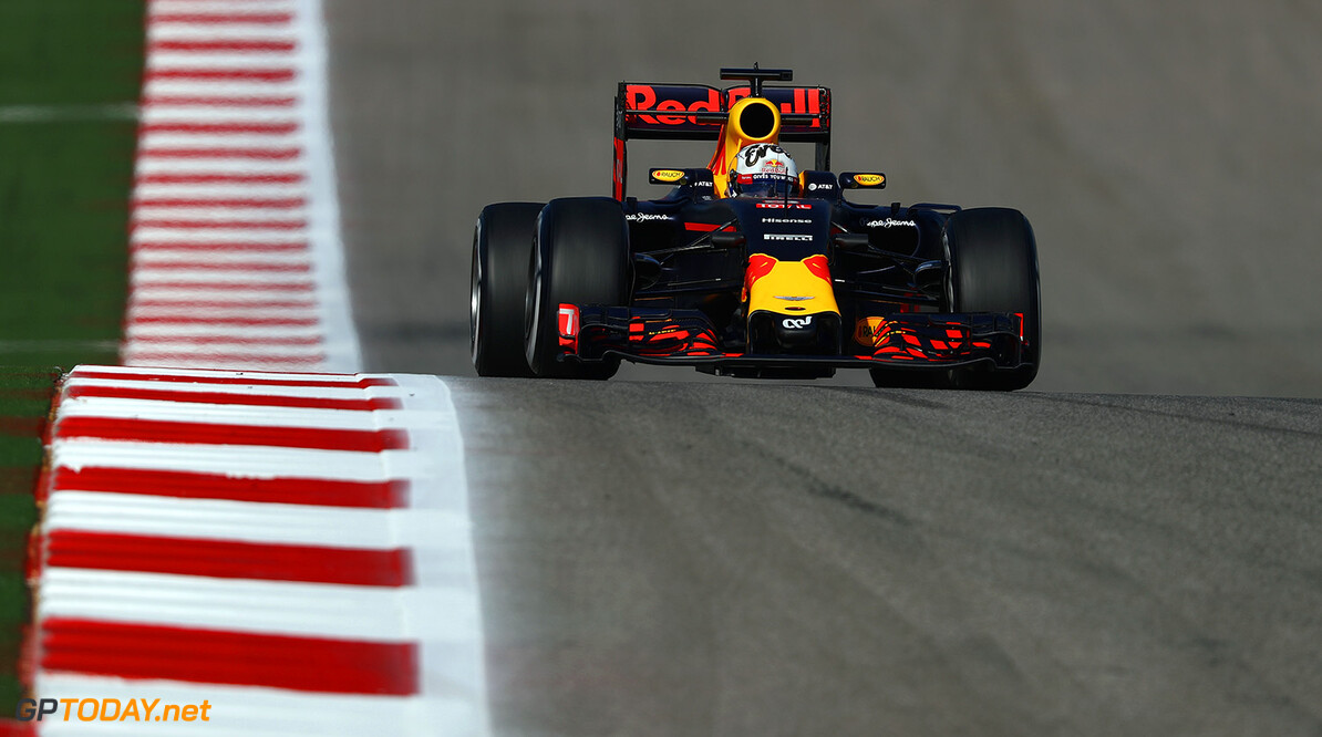 AUSTIN, TX - OCTOBER 21:  Daniel Ricciardo of Australia driving the (3) Red Bull Racing Red Bull-TAG Heuer RB12 TAG Heuer on track during practice for the United States Formula One Grand Prix at Circuit of The Americas on October 21, 2016 in Austin, United States.  (Photo by Clive Mason/Getty Images) // Getty Images / Red Bull Content Pool  // P-20161022-00177 // Usage for editorial use only // Please go to www.redbullcontentpool.com for further information. //  F1 Grand Prix of USA - Practice Clive Mason Austin United States  P-20161022-00177