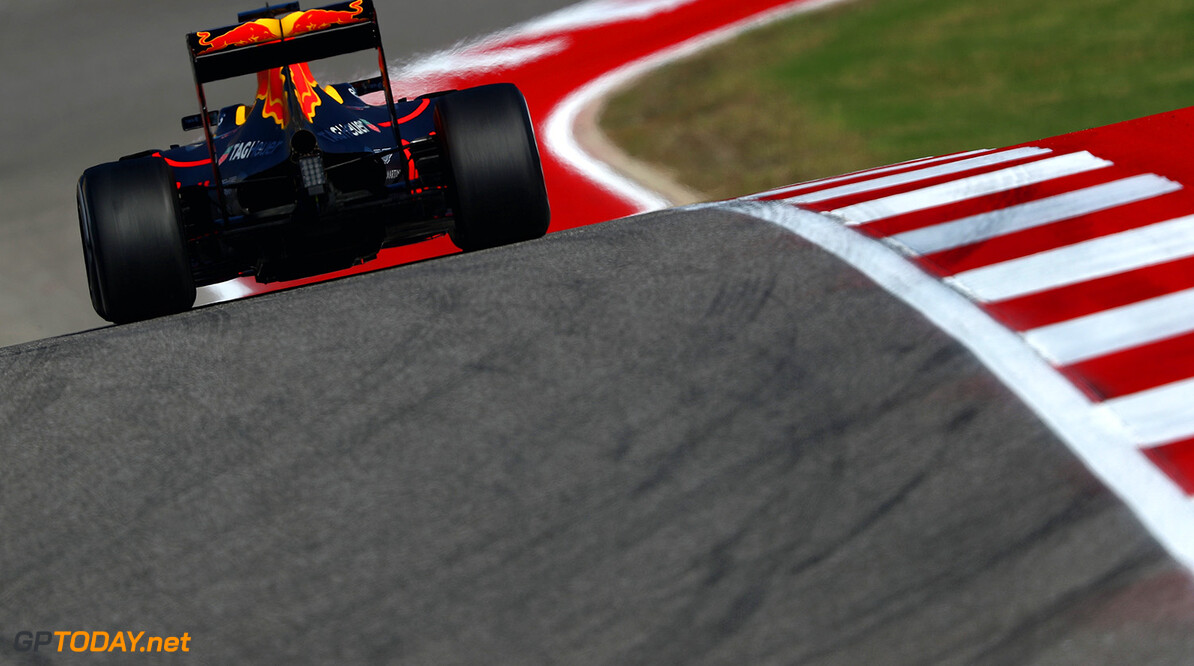 AUSTIN, TX - OCTOBER 21: Daniel Ricciardo of Australia driving the (3) Red Bull Racing Red Bull-TAG Heuer RB12 TAG Heuer on track during practice for the United States Formula One Grand Prix at Circuit of The Americas on October 21, 2016 in Austin, United States.  (Photo by Clive Mason/Getty Images) // Getty Images / Red Bull Content Pool  // P-20161022-00174 // Usage for editorial use only // Please go to www.redbullcontentpool.com for further information. //  F1 Grand Prix of USA - Practice Clive Mason Austin United States  P-20161022-00174