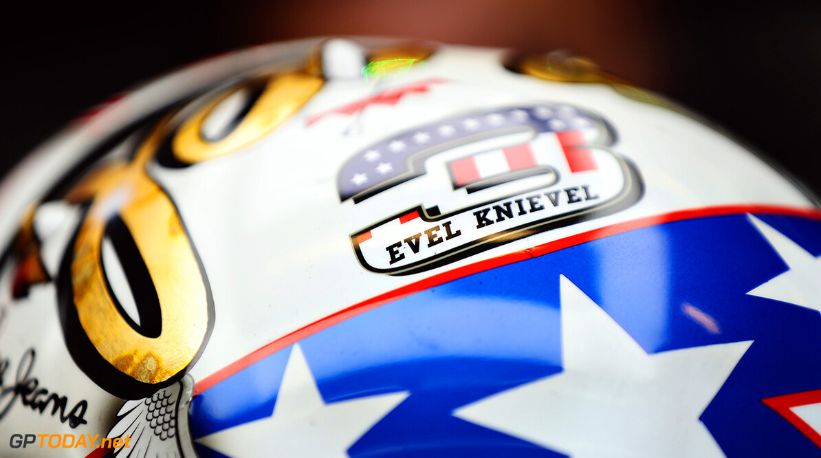 AUSTIN, TX - OCTOBER 21:  Detail shot showing the Evel Knievel branding on the helmet of Daniel Ricciardo of Australia and Red Bull Racing during practice for the United States Formula One Grand Prix at Circuit of The Americas on October 21, 2016 in Austin, United States.  (Photo by Mark Thompson/Getty Images) // Getty Images / Red Bull Content Pool  // P-20161021-01610 // Usage for editorial use only // Please go to www.redbullcontentpool.com for further information. //  F1 Grand Prix of USA - Practice Mark Thompson Austin United States  P-20161021-01610
