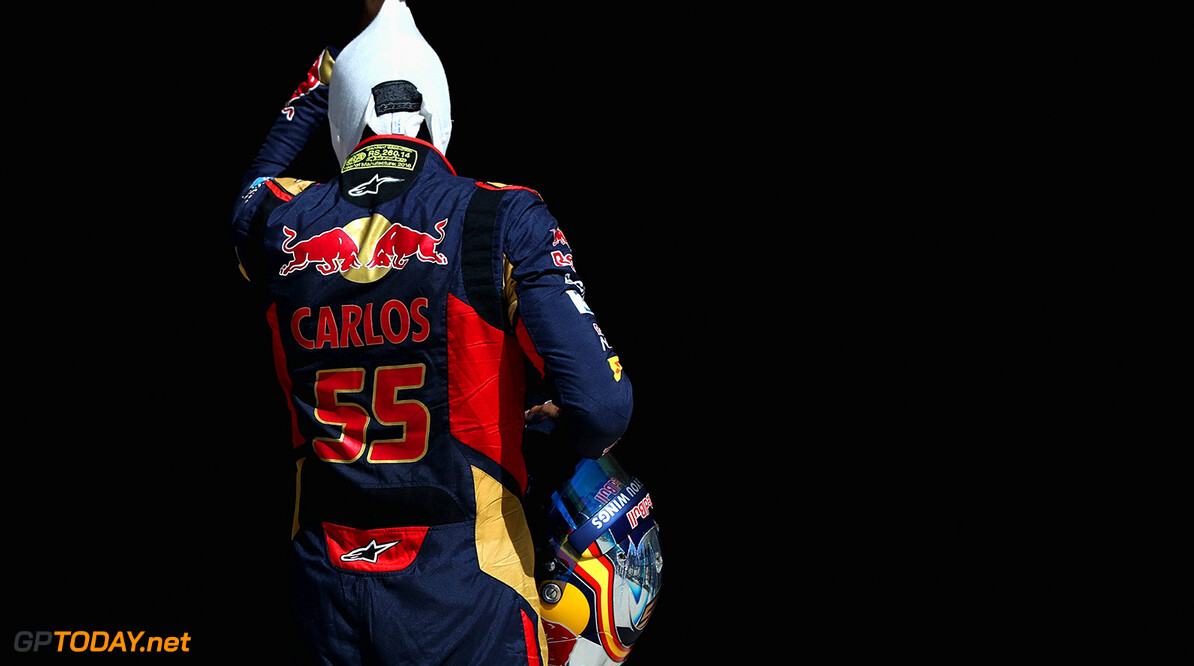 AUSTIN, TX - OCTOBER 22: Carlos Sainz of Spain and Scuderia Toro Rosso in parc ferme during qualifying for the United States Formula One Grand Prix at Circuit of The Americas on October 22, 2016 in Austin, United States.  (Photo by Mark Thompson/Getty Images) // Getty Images / Red Bull Content Pool  // P-20161022-00897 // Usage for editorial use only // Please go to www.redbullcontentpool.com for further information. //  F1 Grand Prix of USA - Qualifying Mark Thompson    P-20161022-00897