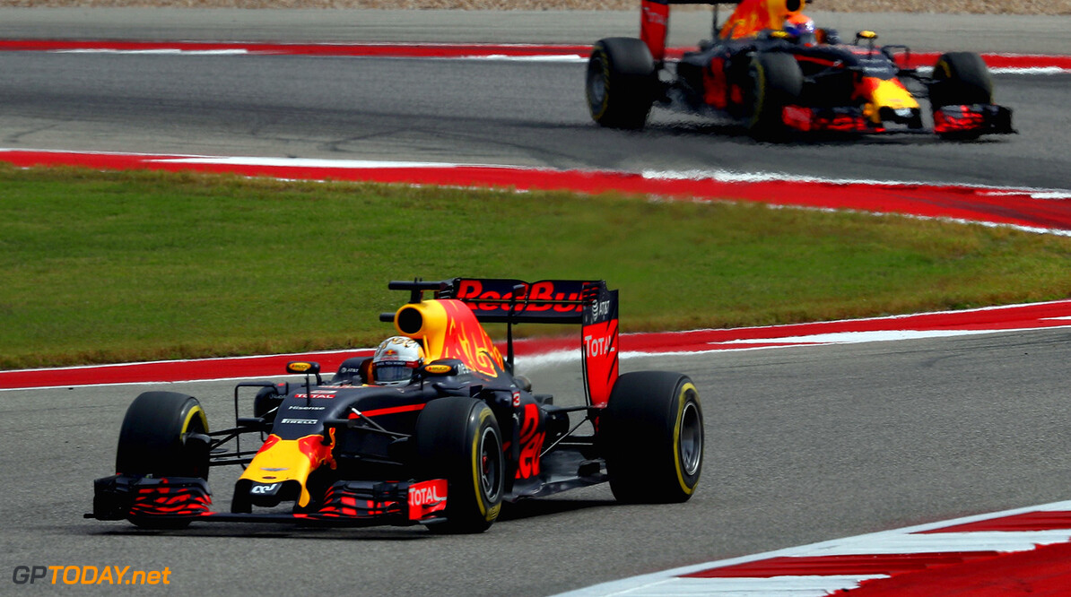AUSTIN, TX - OCTOBER 23: Daniel Ricciardo of Australia driving the (3) Red Bull Racing Red Bull-TAG Heuer RB12 TAG Heuer leads Max Verstappen of the Netherlands driving the (33) Red Bull Racing Red Bull-TAG Heuer RB12 TAG Heuer on track during the United States Formula One Grand Prix at Circuit of The Americas on October 23, 2016 in Austin, United States.  (Photo by Clive Mason/Getty Images) // Getty Images / Red Bull Content Pool  // P-20161023-00749 // Usage for editorial use only // Please go to www.redbullcontentpool.com for further information. //  F1 Grand Prix of USA Clive Mason Austin United States  P-20161023-00749