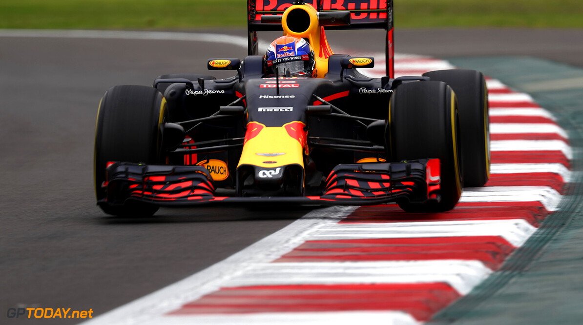 MEXICO CITY, MEXICO - OCTOBER 28:  Max Verstappen of the Netherlands driving the (33) Red Bull Racing Red Bull-TAG Heuer RB12 TAG Heuer on track during practice for the Formula One Grand Prix of Mexico at Autodromo Hermanos Rodriguez on October 28, 2016 in Mexico City, Mexico.  (Photo by Lars Baron/Getty Images) // Getty Images / Red Bull Content Pool  // P-20161028-01359 // Usage for editorial use only // Please go to www.redbullcontentpool.com for further information. //  F1 Grand Prix of Mexico - Practice Lars Baron    P-20161028-01359