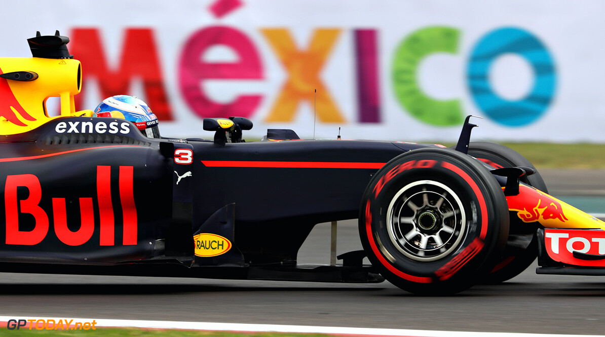 Daniel Ricciardo surprised with gap to front