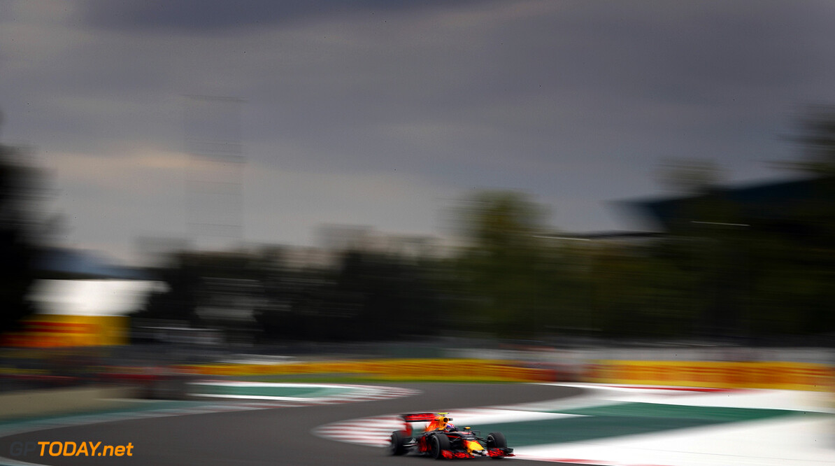 MEXICO CITY, MEXICO - OCTOBER 28:  Max Verstappen of the Netherlands driving the (33) Red Bull Racing Red Bull-TAG Heuer RB12 TAG Heuer on track during practice for the Formula One Grand Prix of Mexico at Autodromo Hermanos Rodriguez on October 28, 2016 in Mexico City, Mexico.  (Photo by Clive Mason/Getty Images) // Getty Images / Red Bull Content Pool  // P-20161029-00366 // Usage for editorial use only // Please go to www.redbullcontentpool.com for further information. //  F1 Grand Prix of Mexico - Practice Clive Mason    P-20161029-00366