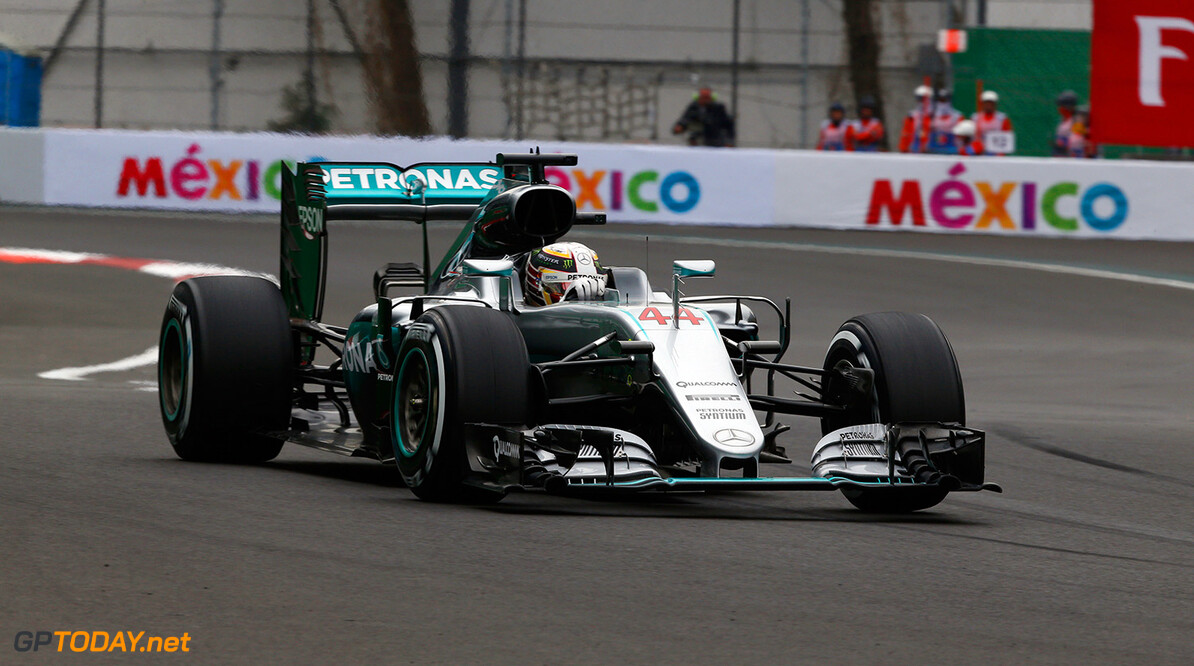 Lewis Hamilton beats Nico Rosberg to pole in Mexico