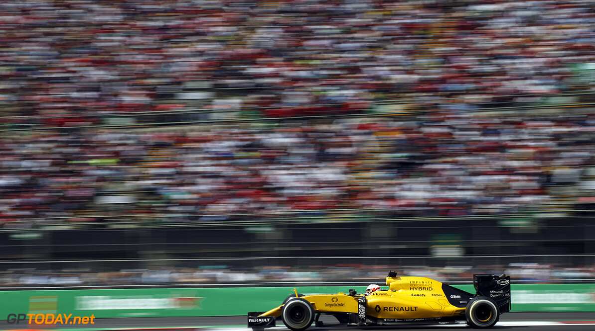 MAGNUSSEN Kevin (dan) Renault F1 RS.16 driver Renault Sport F1 team action   during the 2016 Formula One World Championship, Mexico Grand Prix from october 27 to 30 in Mexico - Photo Frederic Le Floc'h / DPPI F1 - MEXICO GRAND PRIX 2016 Frederic Le Floc'h Mexico Mexico  Ameriques Auto Autodromo Hermanos Rodriguez Car F1 Formula 1 Formula One Formule 1 Formule Un Grand Prix Mexico Mexique Monoplace Motorsport November Novembre October Octobre Race Uniplace World Championship mex
