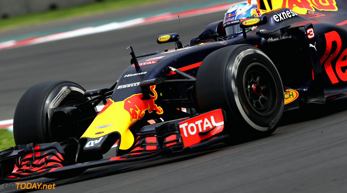 MEXICO CITY, MEXICO - OCTOBER 30:  Daniel Ricciardo of Australia driving the (3) Red Bull Racing Red Bull-TAG Heuer RB12 TAG Heuer on track during the Formula One Grand Prix of Mexico at Autodromo Hermanos Rodriguez on October 30, 2016 in Mexico City, Mexico.  (Photo by Mark Thompson/Getty Images) // Getty Images / Red Bull Content Pool  // P-20161031-00088 // Usage for editorial use only // Please go to www.redbullcontentpool.com for further information. //  F1 Grand Prix of Mexico Mark Thompson    P-20161031-00088