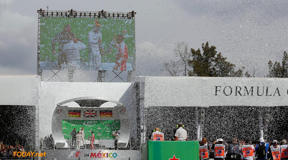 Ecclestone drijft de spot met Mexicaanse GP