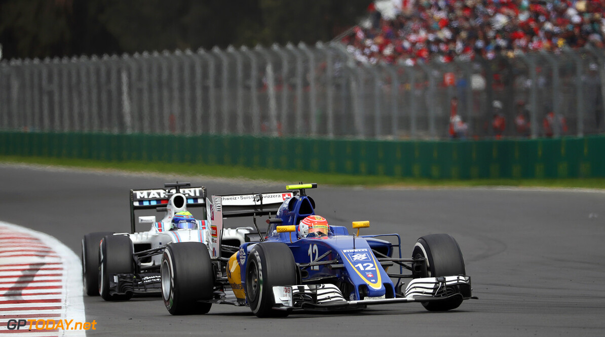 Mexican GP Race 30/10/16 Felipe Nasr (BRA), Sauber F1 Team.  Autodromo Hermanos Rodriguez.  Mexican GP Race 30/10/16 Jad Sherif                       Mexico City Mexico  F1 Formula 1 One 2016 Action Nasr Sauber