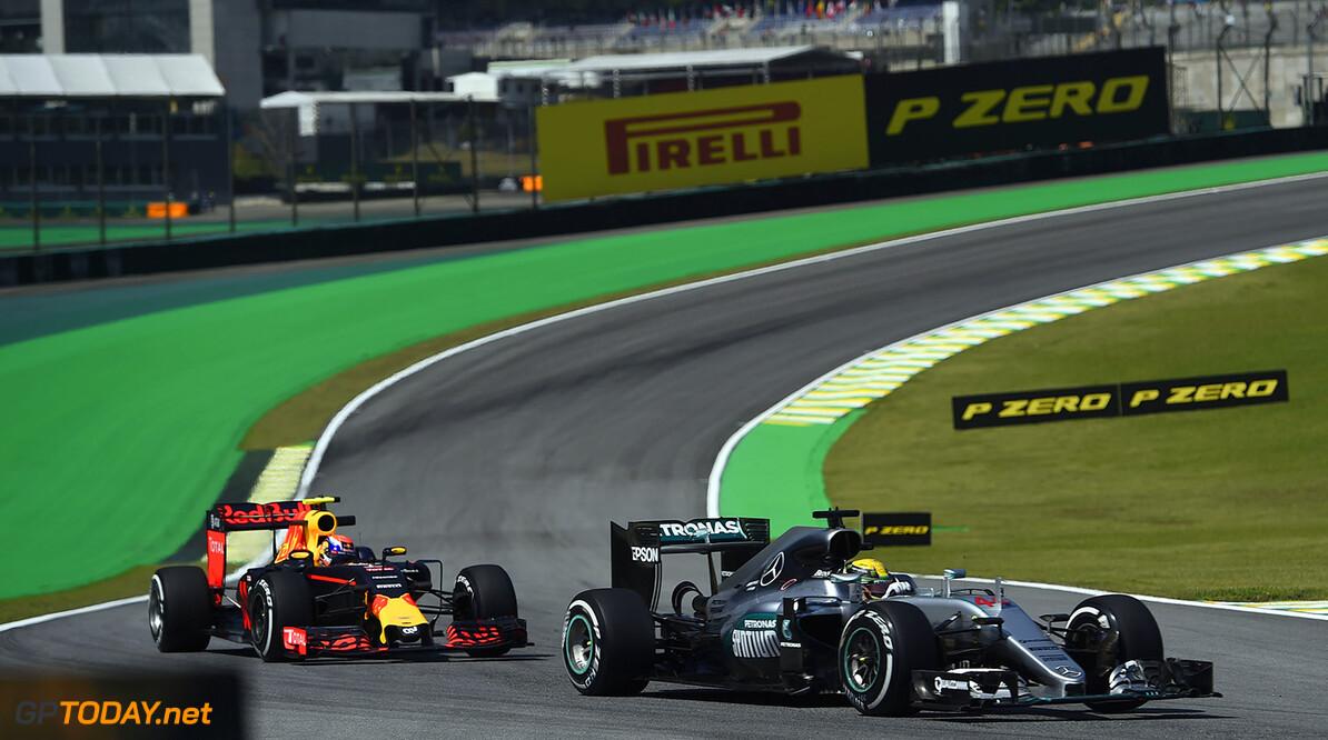 """Horner: """"Hamilton moet Rosberg ophouden"""""""
