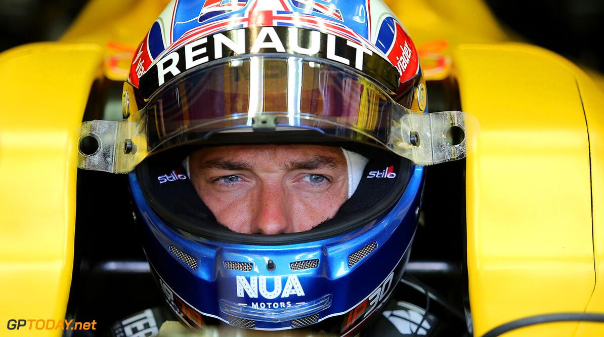 Renault impressed with Jolyon Palmer