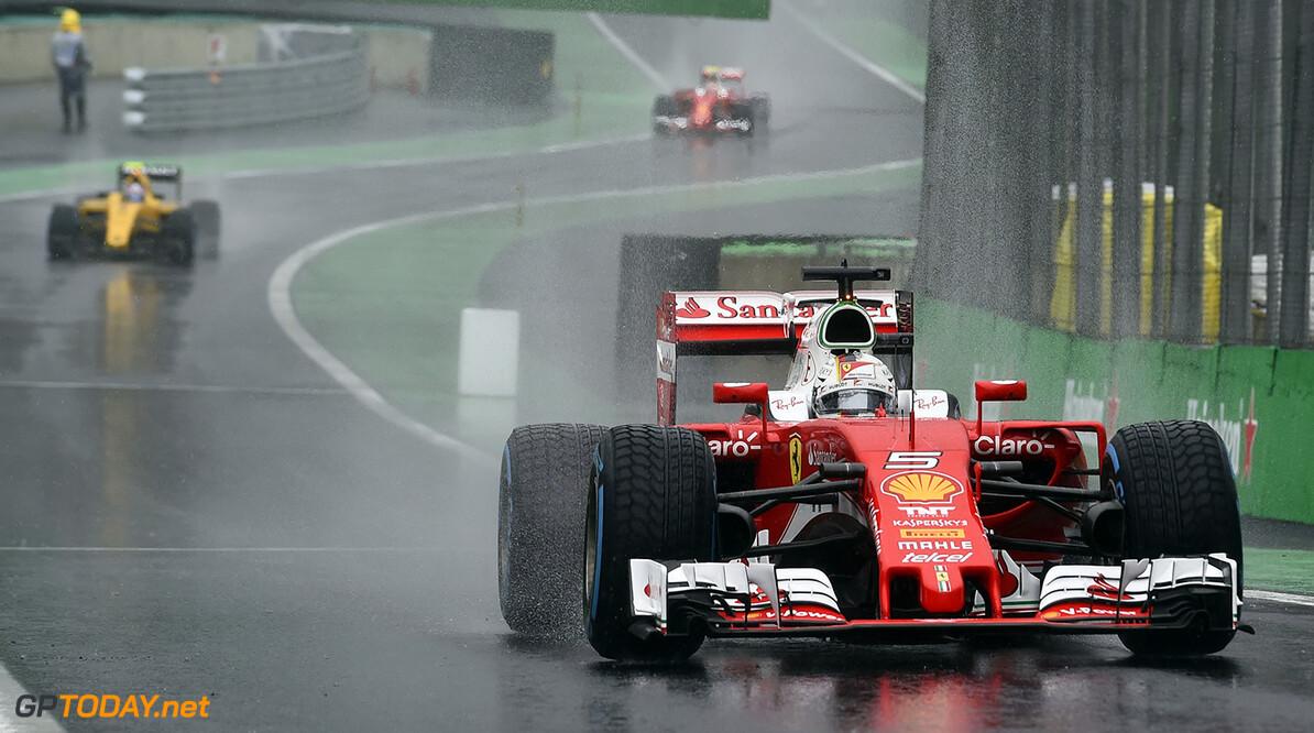 <b>Column:</b> Vettel geen zwarte piet, maar zeurpiet