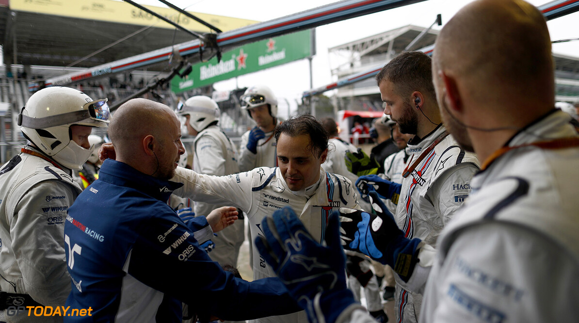 Interlagos, Sao Paulo, Brazil. Sunday 13 November 2016. Felipe Massa, Williams Martini Racing, is applauded by the time on arrival back at the garage after retiring from the race in his last home Grand Prix. Photo: Glenn Dunbar/Williams ref: Digital Image _31I8034  Glenn Dunbar    Portrait Atmosphere