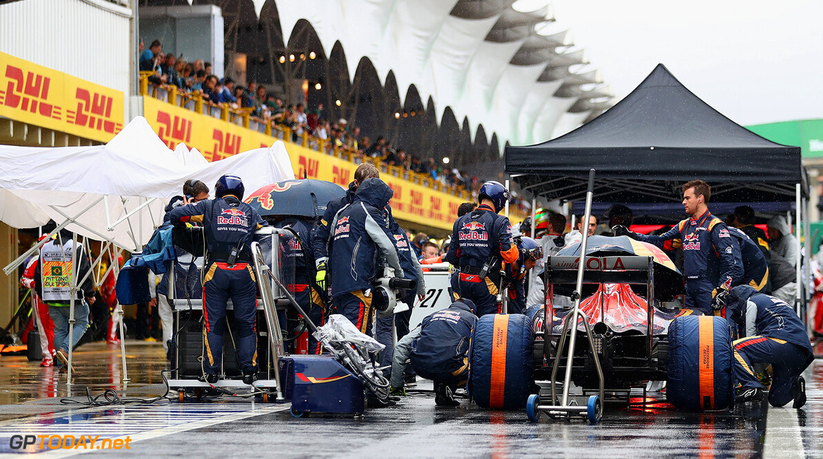 SAO PAULO, BRAZIL - NOVEMBER 13:  The Scuderia Toro Rosso team in the Pitlane during the Formula One Grand Prix of Brazil at Autodromo Jose Carlos Pace on November 13, 2016 in Sao Paulo, Brazil.  (Photo by Clive Mason/Getty Images) // Getty Images / Red Bull Content Pool  // P-20161113-01364 // Usage for editorial use only // Please go to www.redbullcontentpool.com for further information. //  F1 Grand Prix of Brazil Clive Mason Sao Paulo Brazil  P-20161113-01364